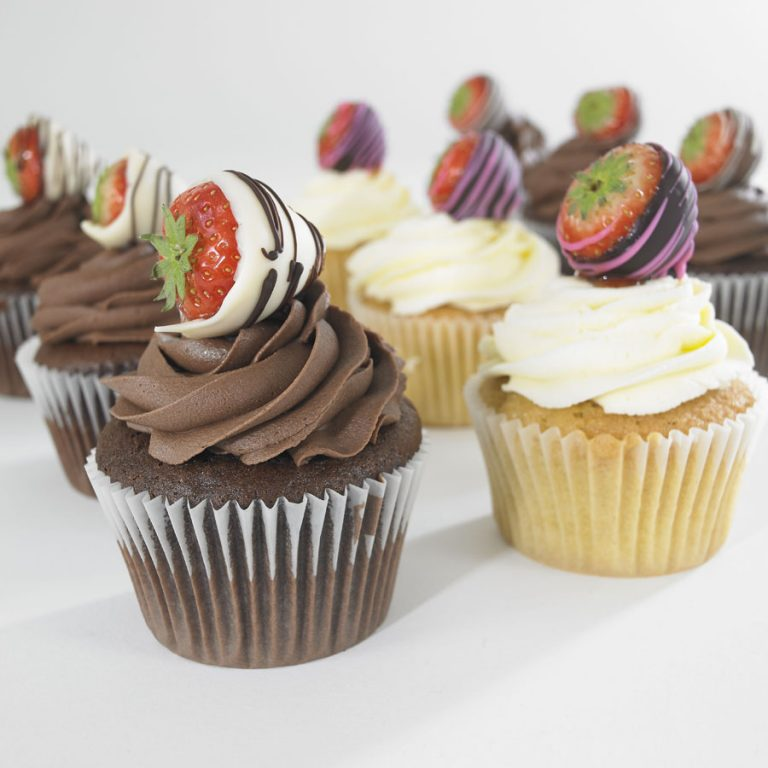 dipped-straw-cupcakes